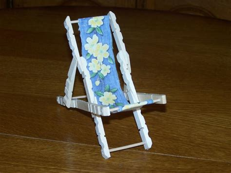 fabriquer une chaise miniature chaise longue de plage en épingle à linge créations