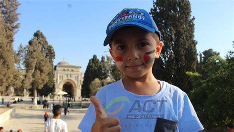 senyum  doa anak anak palestina  hari kemerdekaan indonesia foto