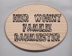 Türschilder Holz Familie : t rschild in gro er sonderschrift hier wohnt familie ~ Lizthompson.info Haus und Dekorationen