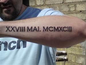 Tatouage Chiffre Romain Poignet : tatouage homme avant bras code barre tattoo art ~ Nature-et-papiers.com Idées de Décoration
