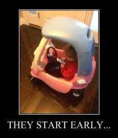 Text Driving Meme - texting while driving meme bahahahaha in a way this is kinda awful though humor