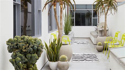 Porch Daniel Nolan by 18 Ideas For Styling Outdoor Rugs Sunset Magazine