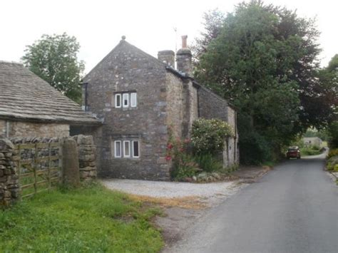 green farm cottage rental yorkshire dales sleeps log burner