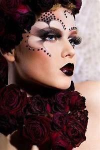 Halloween Make Up Puppe : schminktipps karneval f r gro und klein effektvoll muss das make up sein ~ Frokenaadalensverden.com Haus und Dekorationen
