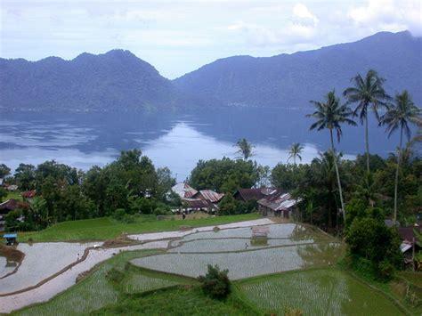 tempat wisata alam terindah  indonesia mandalahunter