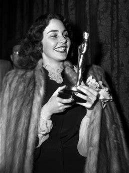 Jennifer Jones 1944 | LATEST WRINKLE