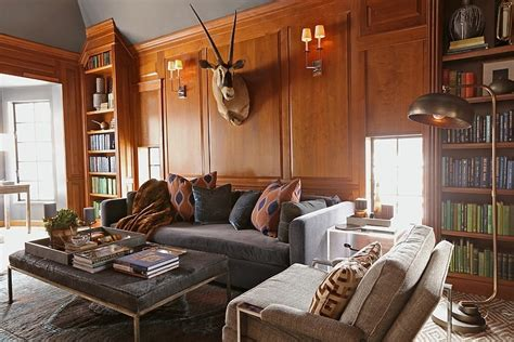 Glorious Country Club House Design In Vintage And Warm Room Ambiance