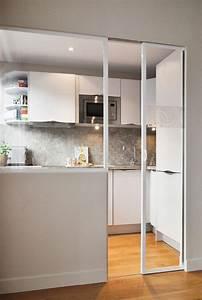 Porte De Cuisine : la porte coulissante en verre gain d 39 espace et esth tique moderne ~ Teatrodelosmanantiales.com Idées de Décoration