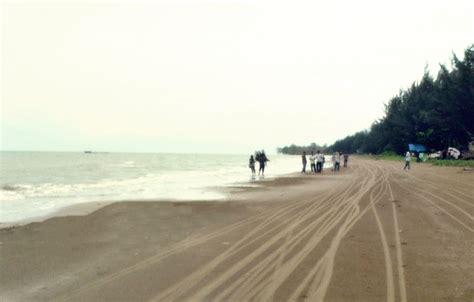 ambalat  brown sand beach cerita wisata aunamazaya