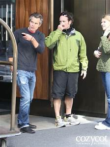looking at what Timothy Olyphant is pointing at Sons of ...