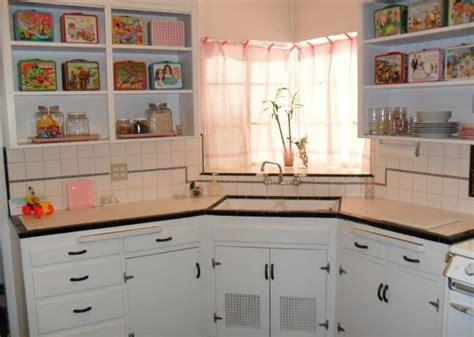 retro kitchen lighting 36 best images about vintage kitchen cabinets on 1940
