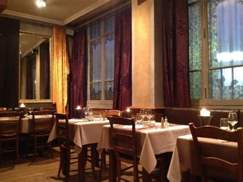 La Salle Arrière Du Restaurant