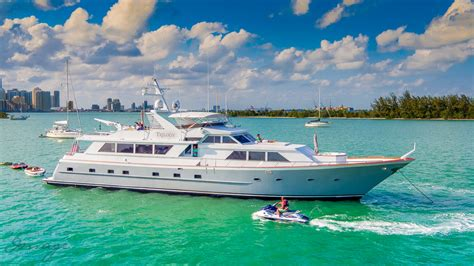 Boat Miami by Yatchs In Miami Miami Boat Rental And Charters