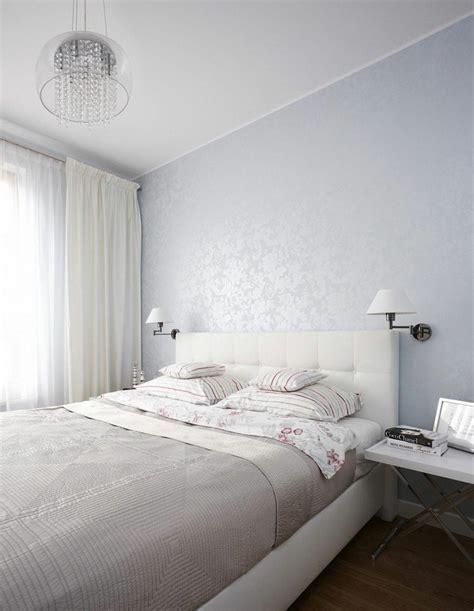 tres chambre coucher chambre à coucher blanche avec des accents colorés