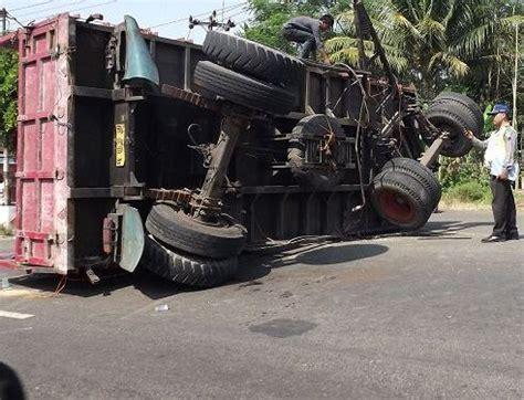 gambar trucks animation rampanthers gambar animasi truk