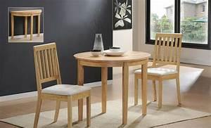 Kleiner Tisch Mit Stühlen : ein kleiner tisch w rde super in ihrem zimmer erscheinen ~ Markanthonyermac.com Haus und Dekorationen