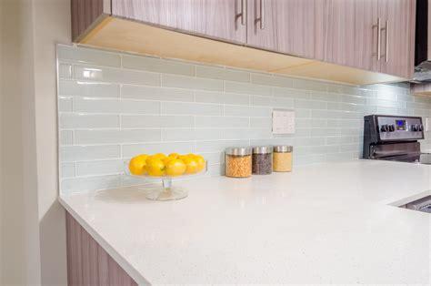 credance de cuisine crédence cuisine en plexiglas installation et entretien