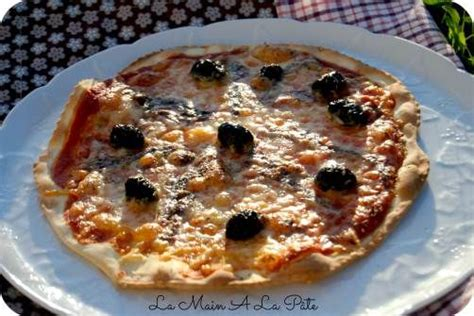 25 best ideas about pizza napolitaine on pate napolitaine sauce tomate pizza and