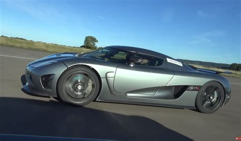 Watch the agera rs accelerate and decelerate quicker than a chiron. Koenigsegg Agera R vs Bugatti Veyron Grand Sport Vitesse Drag Race