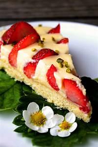 Torte Mit Erdbeeren : eierlik r pudding torte mit versunkenen erdbeeren ~ Lizthompson.info Haus und Dekorationen