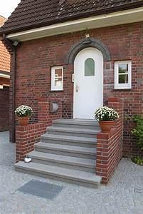 Treppe Hauseingang Bilder : treppen rebmann betonsteinwerk norderstedt ~ Markanthonyermac.com Haus und Dekorationen