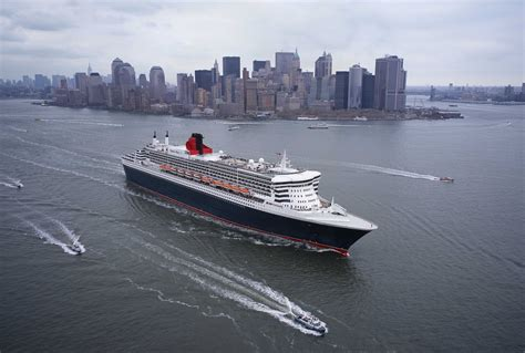 New York With Queen Mary 2