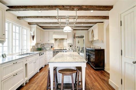 7 Attractive Kitchens with Light Wood Floors ? Art of the Home