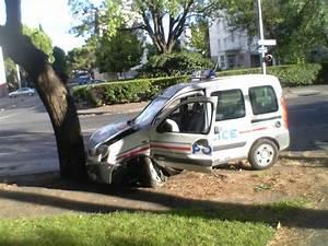 Accident De Voitures : accident de voiture de police nationale blog de marouan06560 ~ Medecine-chirurgie-esthetiques.com Avis de Voitures