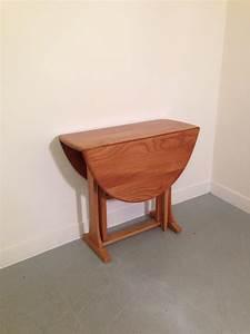 Petite Table Pliante : table a manger pliante ~ Teatrodelosmanantiales.com Idées de Décoration