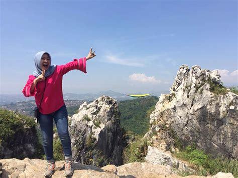 pacu adrenalin  puncak tebing gunung hawu traveling yuk