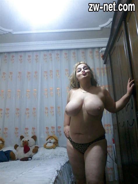 صور نيك جديدة مدام رشا شرموطة مربربة تعرض جسمها بملابس سكسية عرب ميلف