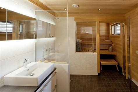 Sauna Für Badezimmer by Badezimmer Kleine Sauna Wei 223 E Fliesen Dusche Glas