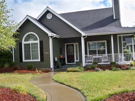 exterior colorful exterior home decor ideas with valspar exterior paint lollar4governor com