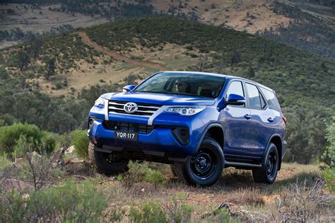 Review Toyota Fortuner by Toyota Fortuner Review Photos Caradvice