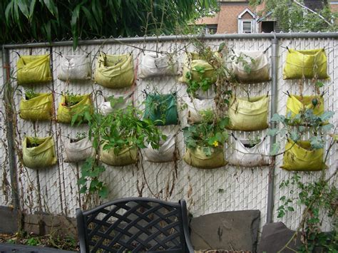 Vertical Gardening : Giardino Verticale