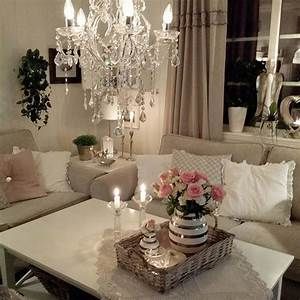 Shabby And Charme : 17 best images about victorian romantic shabby cottage living rooms on pinterest painted ~ Farleysfitness.com Idées de Décoration