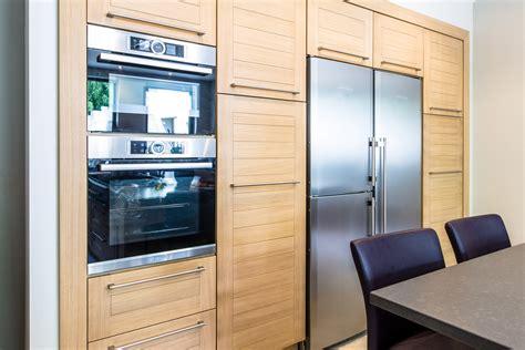 ile cuisine frais brun armoires de cuisine blanc île sjd8 appareils