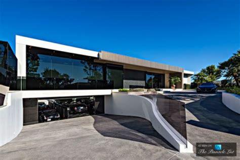 85 Mio Dollar Villa Mit Praller Luxusgarage In Beverly