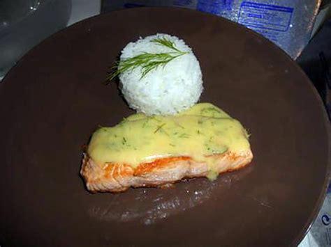 cuisine hollandaise recette recette de pavé de saumon sauce hollandaise citron aneth