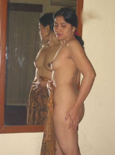 Real Desi Aunties Xxx Porn Pic आंटी की चूत की चुदाई वाली