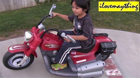 Power Wheels Ride-on Motorcycle