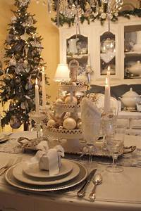 table decorations for christmas My Romantic Home: Setting a beautiful table