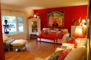 color decorating ideas for living rooms with red house