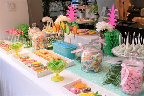 sweet table theme tropical pour gifi par studio candy