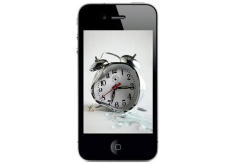 does iphone change time for daylight savings apple iphone 4 alarm bug resurfaces with daylight savings time