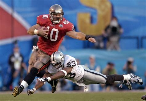 Super Bowl Xxxvii Buccaneers Defense Stomps Raiders In 48