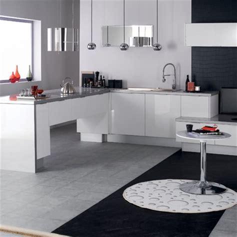 cuisine moderne blanc laqué cuisine eslöv en mélamine laqué blanc hygena