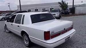 1996 Lincoln Town Car Executive   2972c