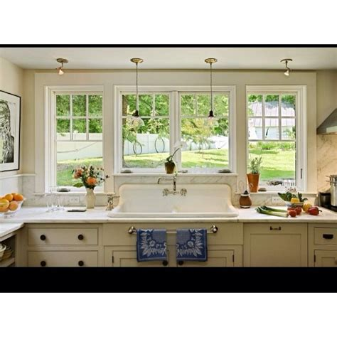 Kitchen Bay Windows Above Sink by 11 Best Images About Windows On Traditional