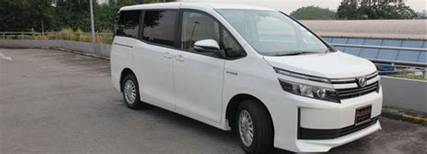Review Toyota Voxy by Toyota Voxy Hybrid 1 8 A Review Review Singapore